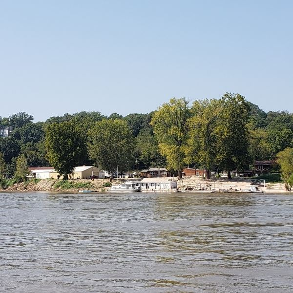 Hoppies Marina, a favorite spot we blew by.