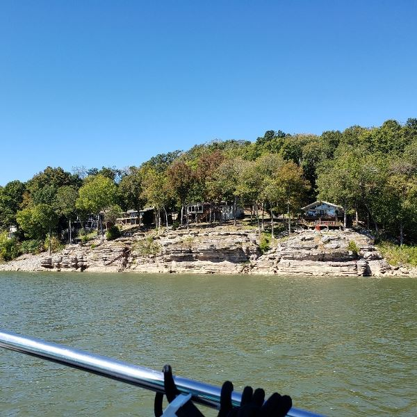 Living high on the river in Tennessee.